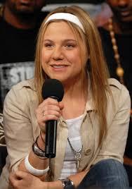 This is the photo of Lauren Collins. Lauren Collins was born on 02 Aug 1986 in Thornhill, Toronto, Ontario, Canada. The birth name was Lauren Felice Collins ... - lauren-collins-210123