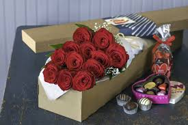 whole trade roses and chocolates