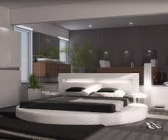 Schlafzimmer Bett Mitten Im Raum Bedroom Ideas Bedroom Ideas