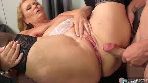 Mature woman filmed fucking videos