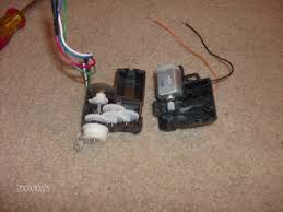 wire rc steering servo let s make robots robotshop note that the black and brown wires connect directly to the dc motor inside as you have obviously found out yourself and the remaining 4 wires run to a