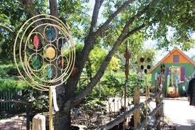 the natural gardener is one of many home and garden retailers present in south austin