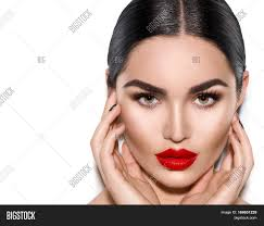 gorgeous young brunette woman face portrait beauty model with bright eyebrows perfect make