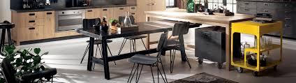 Sedie e sgabelli: comfort e design