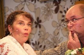 <b>...</b> führten die Akteure um Regisseurin <b>Bettina Kraus</b>-Bähr das Publikum von <b>...</b> - 3-1-Markt_Theater