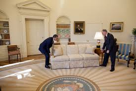 obamas oval office. \u201cWhite House Valets Had Moved The Sofas In Oval Office To Accommodate Large. \u201c Obamas U
