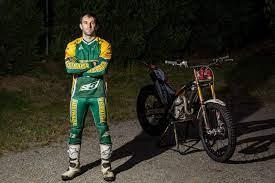 Kyle Middleton and bike - ABC News (Australian Broadcasting Corporation)