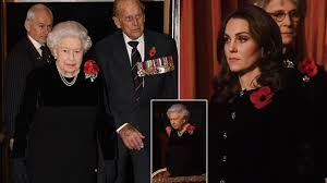 Stunning Kate Middleton and Solemn Queen pay respect to the fallen ...