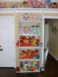 toy room, love the shelf up high for stuffed animals