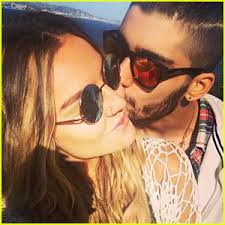 zayn malik kisses perrie edwards in cute insram pic
