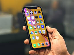 apple iphone xr review great battery life display makes it the best iphone to