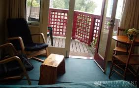 battery garden. battery point garden studio room