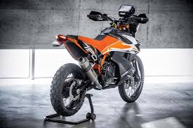 2018 ktm 790. interesting 2018 the 790 duke gets both cornering abs and traction control a  fullcolour tft dash selectable riding modes launch control quick shifter as intended 2018 ktm