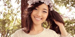01 Jenn Im clothesencounters such an ugly gif but a beautiful girl