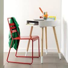 10 kids desks for small spaces small kids desk