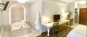 columbus hot tub suites romantic