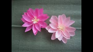Как сделать цветок <b>лотоса</b> из гофрированной бумаги - YouTube