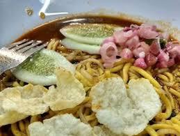 Dalam pembuatannya mie aceh diketahui dapat diolah dengan 2 jenis yakni mie aceh goreng dan mie aceh rebus dengan kuah yang sangat lezat dan menggugah selera makan anda. Mie Aceh Vona Seafood Cengkareng Lengkap Menu Terbaru Jam Buka No Telepon Alamat Dengan Peta