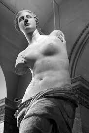 「1820 – The Venus de Milo is discovered on the Aegean island of Milos.」の画像検索結果