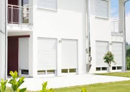 Terrassentüren Mit Eingebauten Jalousien Fenster Fensterversandcom Balkontür Mit Rollladen Rolladen Kaufen Günstige Online Preise