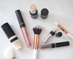 au naturale makeup with a mission