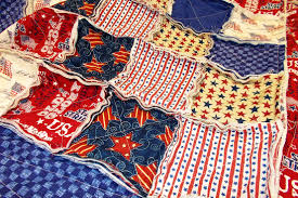 patriotic rag lap quilt {guest post from Donna} | Circus Berry & sewn-quilt Adamdwight.com