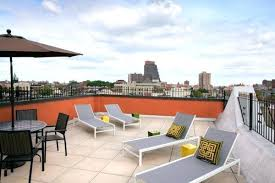 Roof deck furniture Roof Terrace Roof Deck Furniture Unique Rooftop Deck Ideas To Relax And Entertain In Style Rooftop Design Ideas Sunbeds West Elm Blog Roof Deck Furniture Unique Rooftop Deck Ideas To Relax And Entertain