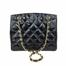 CHANEL Black Patent Leather Quilted Bag – Pretty Things Hoarder & CHANEL Black Patent Leather Quilted Bag Adamdwight.com