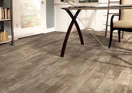 best way to clean vinyl plank flooring