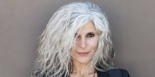 6 Reasons Gray Hair Is White Hot Again Huffpost Old Woman With Grey Hair