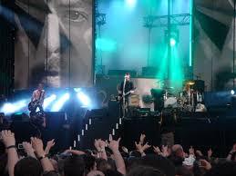 Foo Fighters Walk Wasting Light Lyrics List Of Foo Fighters Concert Tours Wikipedia