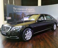 For the first time in india, the maybach s600 will feature rear seat belt airbags and cushion bags. Mercedes Maybach S 600 Guard Launched At Rs 10 5 Cr Ex Delhi Auto News Et Auto