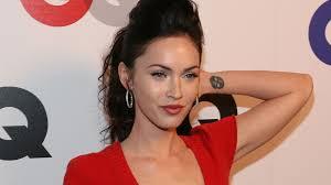 Megan Fox Tattoo In Hand Pics Hd Wallpapers
