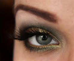 shadow antique green and gold smokey eye