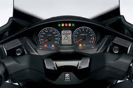 2018 suzuki 400. modren 400 1108162017suzukiburgman400an400al8_instrument_panel  motorcyclecom in 2018 suzuki 400 d