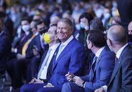 FOTO. Klaus Iohannis, Fără Mască, în Sală, La Congresul PNL. Cîțu I-a Atras Atenția   Libertatea