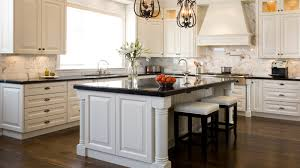 etonnant white kitchen with black countertops stylist ideas white kitchen cabinets with black countertops bes on