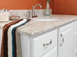 a very common edge is the eased edge sometimes called a straight edge it has a square boxy appearance and no embellishments are cut into the granite