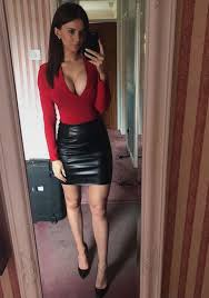 what to wear with leather mini skirt