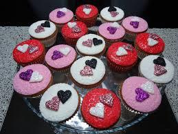 Cupcakes S. Valentim Images?q=tbn:ANd9GcS1NI3_kQU-BsZNSVO0f5Rr5guDSsDnYbrsBf8gKuYRwnBZtqFH