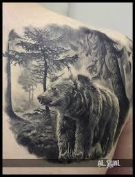 татуировка на плече у парня медведь и лес фото рисунки эскизы