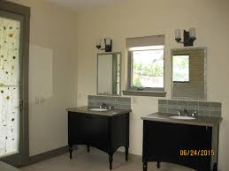 Marks Foreclosed Homes Mark Timothy Akkette REMAX Integrity - Full bathroom