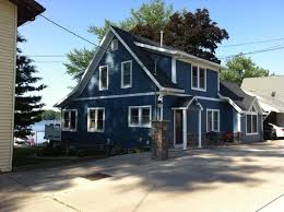 blue exterior paintLove the exterior paint color of this house What color is it
