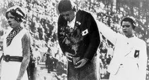 「1936年 - ベルリンオリンピックの女子200メートル平泳ぎで前畑秀子が優勝。実況の河西三省アナウンサーが「前畑頑張れ」を連呼。」の画像検索結果