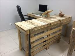 And that is DIY pallet office furniture, built wholly from the recycling of  low cost and durable pallet wood. This office furniture collection includes  two