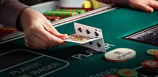 Understanding the basics of baccarat casino game – Mac Graffiti