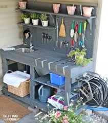 love to garden how to make a gorgeous diy potting bench from free pallet wood