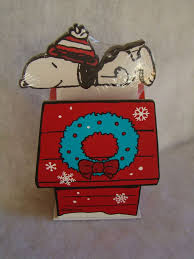 The 25+ best Snoopy dog house ideas on Pinterest | Snoopy birthday ...