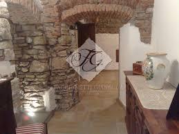 Pavimenti Per Interni Rustici : Posa pietra d oriente per pavimenti interni a bergamo