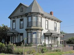 this 1895 queen anne style house was built in the very trendy victorian neighborhood of boyle heights today it stands as a faded reminder of what used to